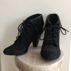 Trafaluc high heels booties